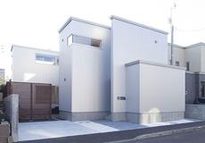 建築家ととことん話し合ってつくった<br>収納豊富&中庭がある札幌・手稲のコートハウス
